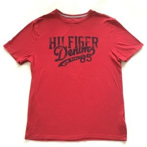 Tommy Hilfiger Men's red T-shirt